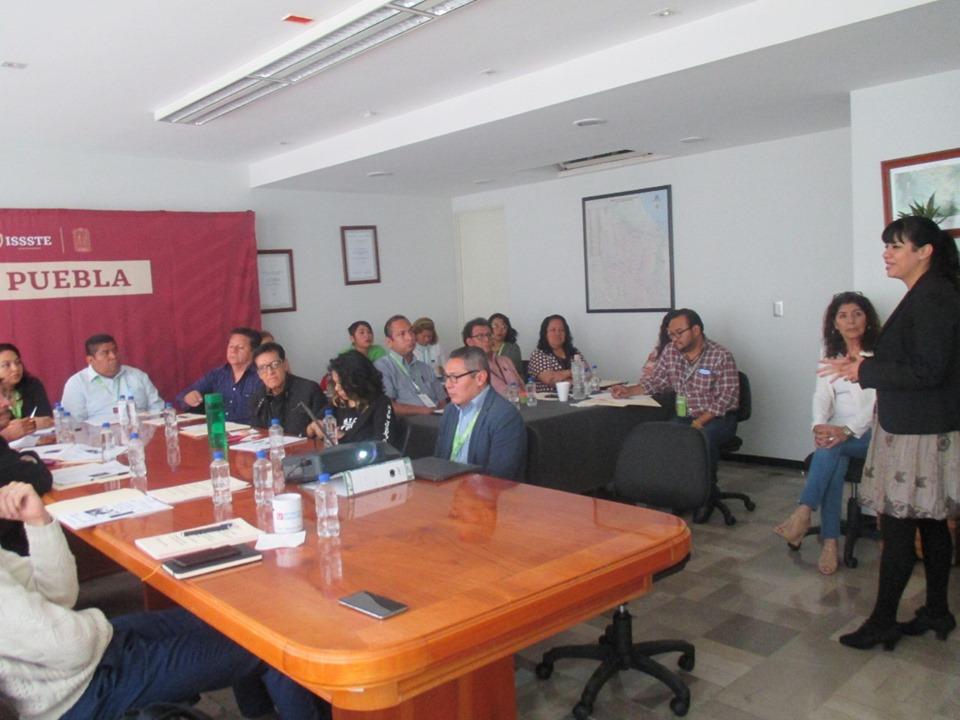 Capacitan a personal del ISSSTE sobre Derechos Humanos y Trato Adecuado