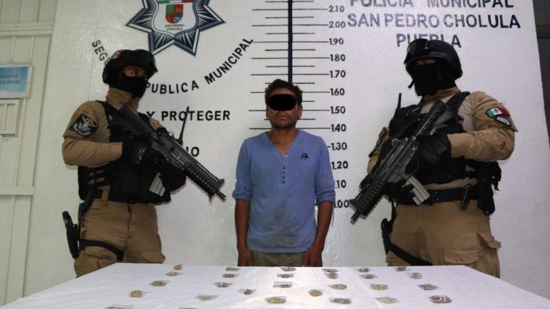 Detienen a presunto narcomenudista en San Pedro Cholula