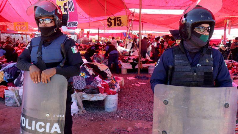 Decomisan ropa que ingresó al país de manera ilegal