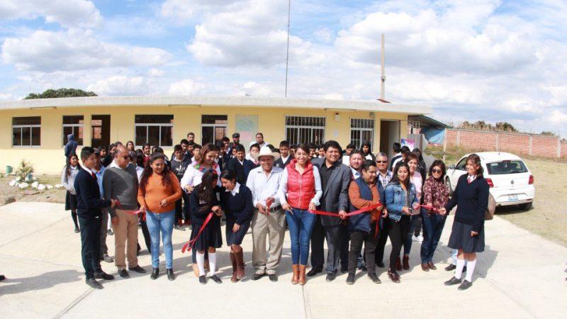 Inauguran aulas de medios en Huejotzingo.
