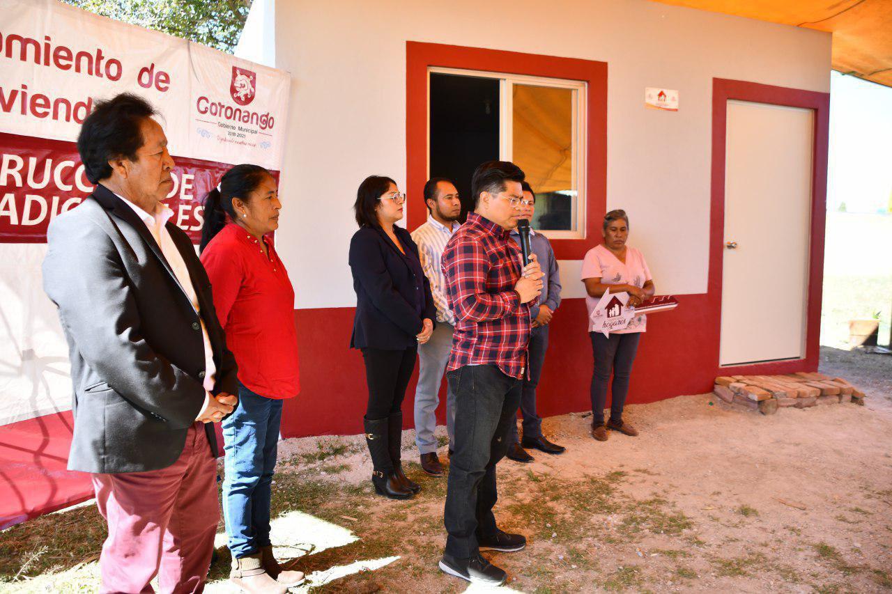 Entregan cuartos adicionales a familias de Coronango