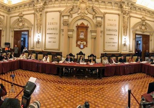 Ayuntamiento de Puebla otorga permisos de temporada para vendedores ambulantes