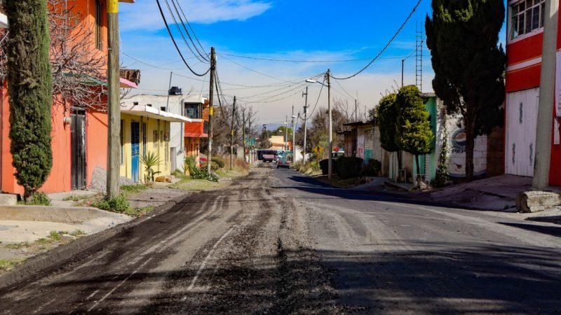 Inician trabajos de reencarpetamiento en rutas del Popocatépetl en la zona de Chiautzingo
