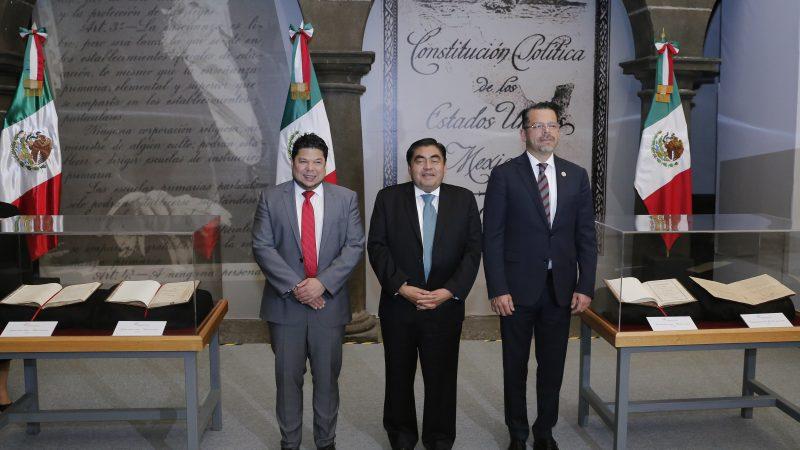 Revisar la Constitución para combatir la corrupción y violencia