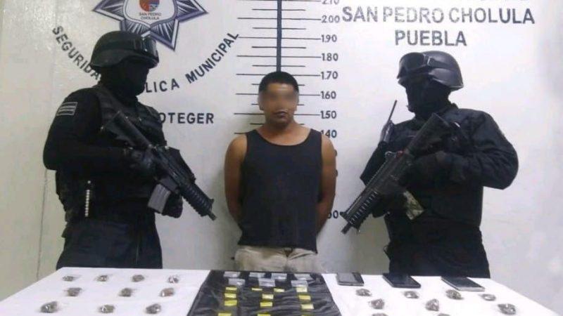 Cae presunto narcomenudista durante operativo en San Pedro Cholula