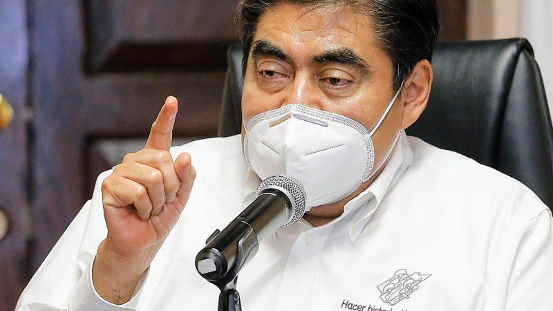 Llama MBH a no politizar con la pandemia