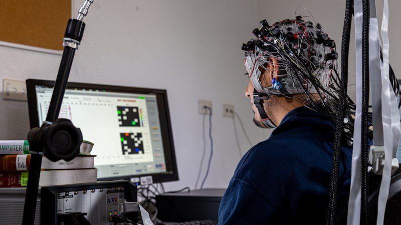Inteligencia artificial para rehabilitar a pacientes de infarto cerebral en comunidades rurales en México