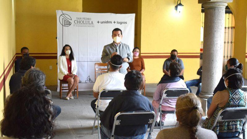 Reciben apoyo económico artesanos de San Pedro Cholula