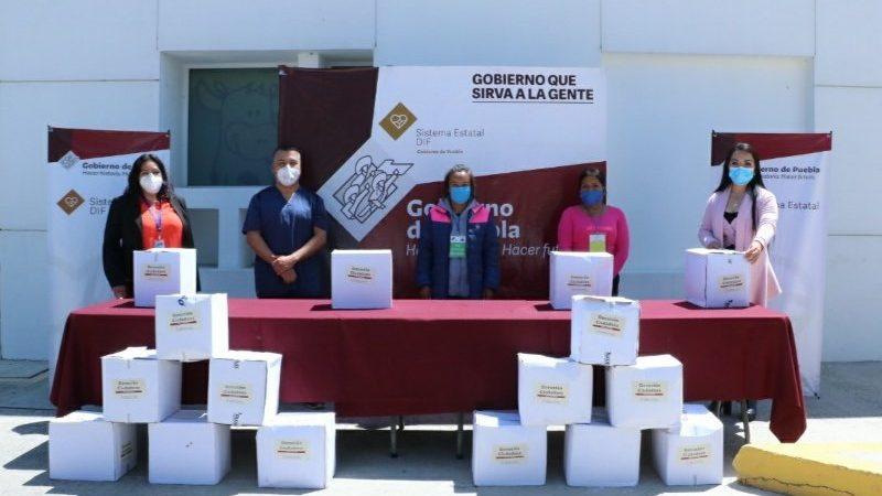 Entrega SEDIF despensas a familias de pacientes del HNP