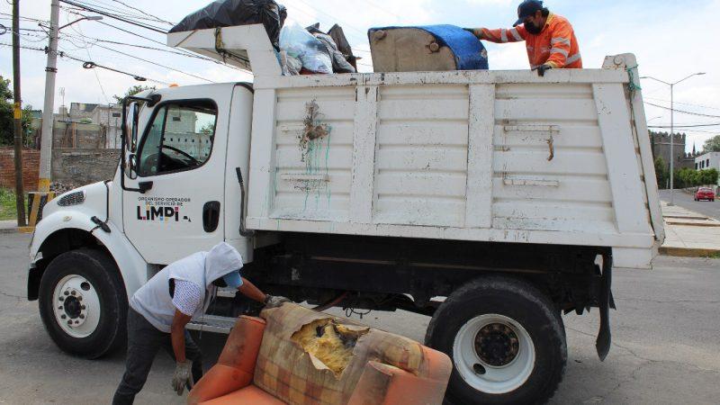 Limpian cauces de ríos por temporada de lluvias en la capital de Puebla