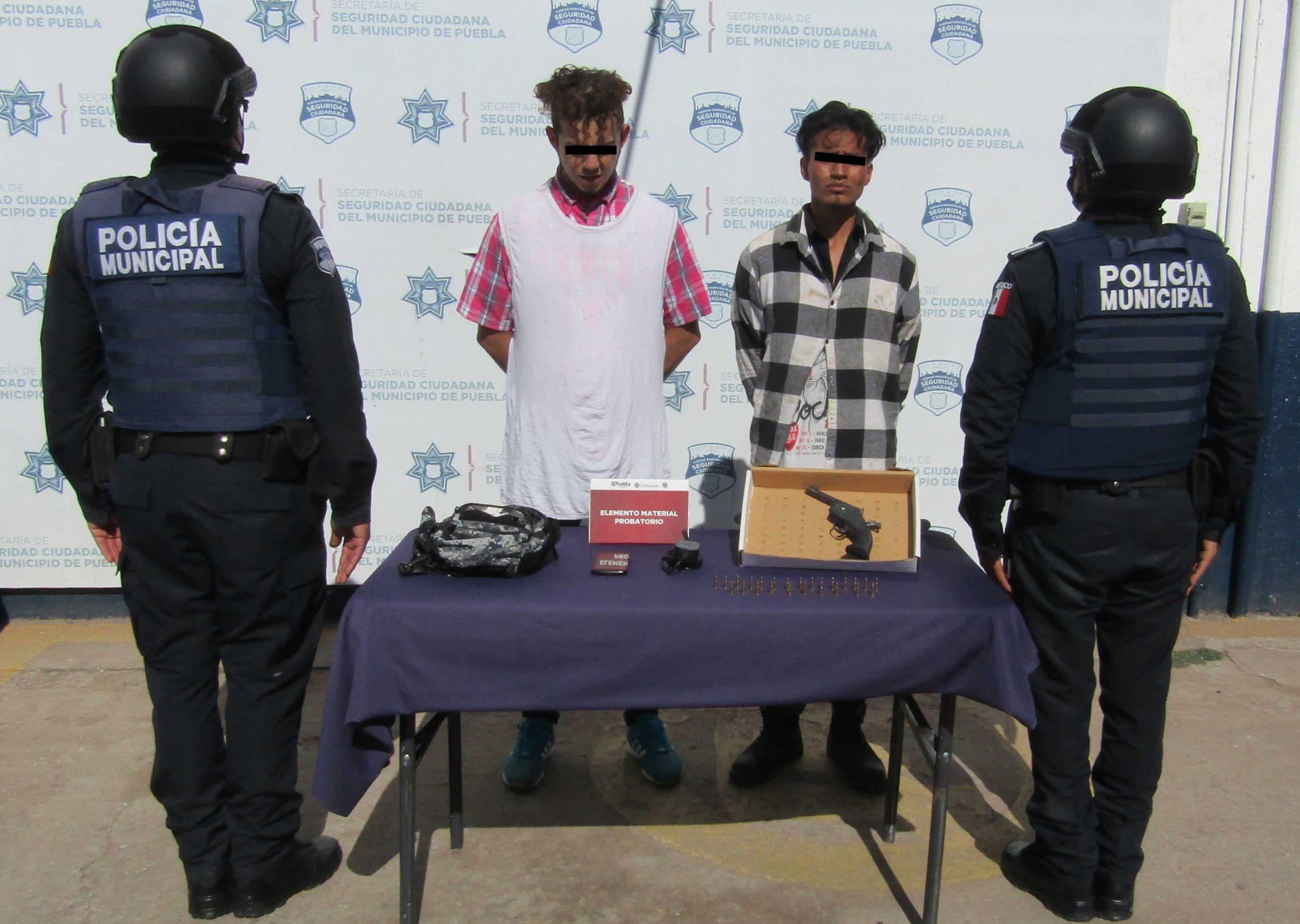 Detienen a presuntos asaltantes de transeúntes en Granjas de San Isidro